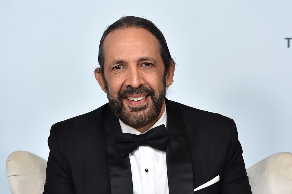Tras ganar el Billboard a la Trayectoria Artística, Juan Luis Guerra lanza «Corazón enamorado»