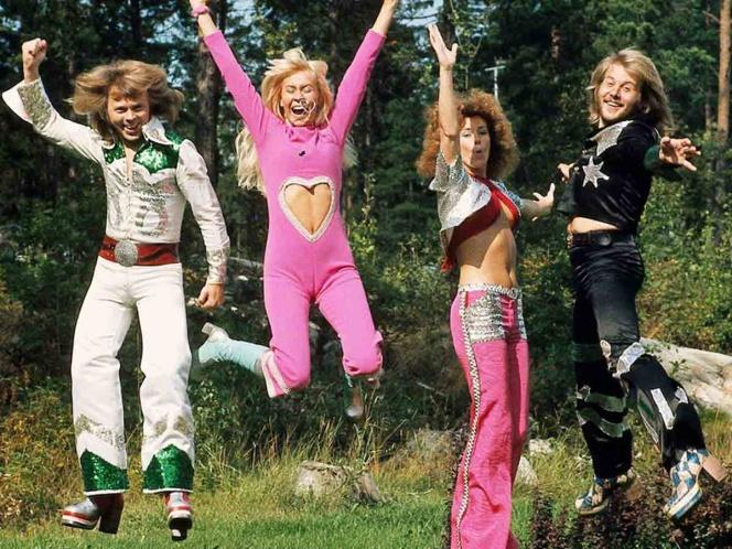 El grupo sueco ABBA regresa después de 35 años alejados de los estudios de grabación.